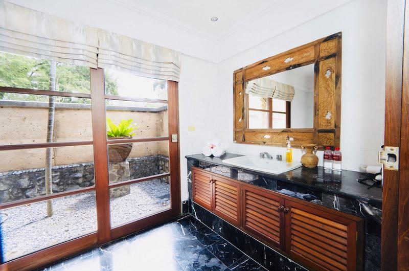 Tamarind Villas Orchid Villa Bathroom Area | Pattaya, Chonburi