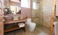 Villa Loramatari Shower | Choeng Mon, Koh Samui