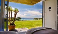 Whale Bay Estate Twin Bedroom with Garden View | Matapouri, Northland