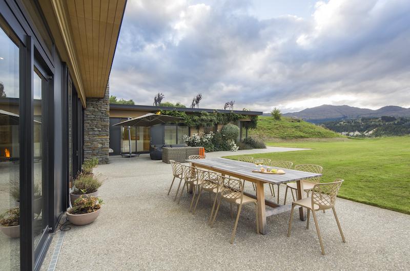 Alpine Retreat Outdoor Dining Table | Queenstown, Otago