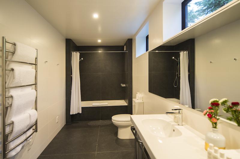 Alpine Retreat His and Hers Vanity | Queenstown, Otago