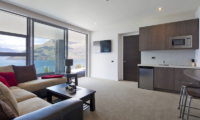 Aspen House Living Area with Lake View | Queenstown, Otago