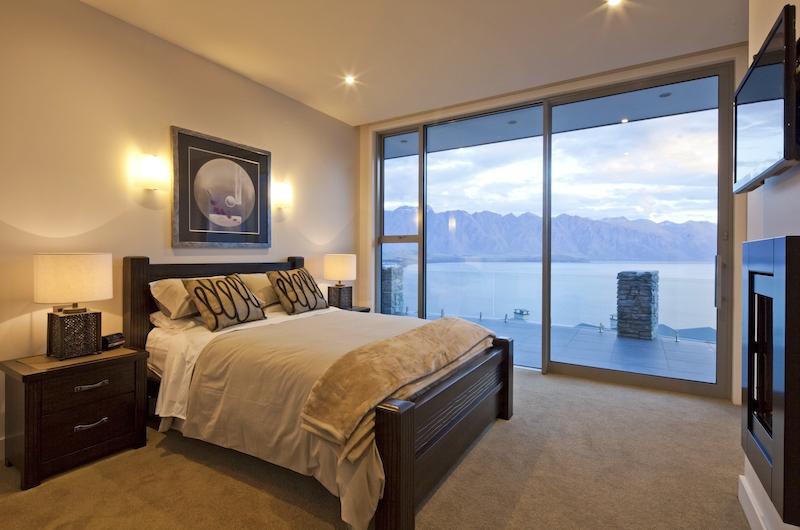 Aspen House Bedroom with Balcony | Queenstown, Otago