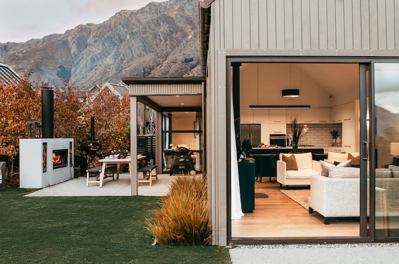 Falconer Rise Outdoor Dining Table | Queenstown, Otago
