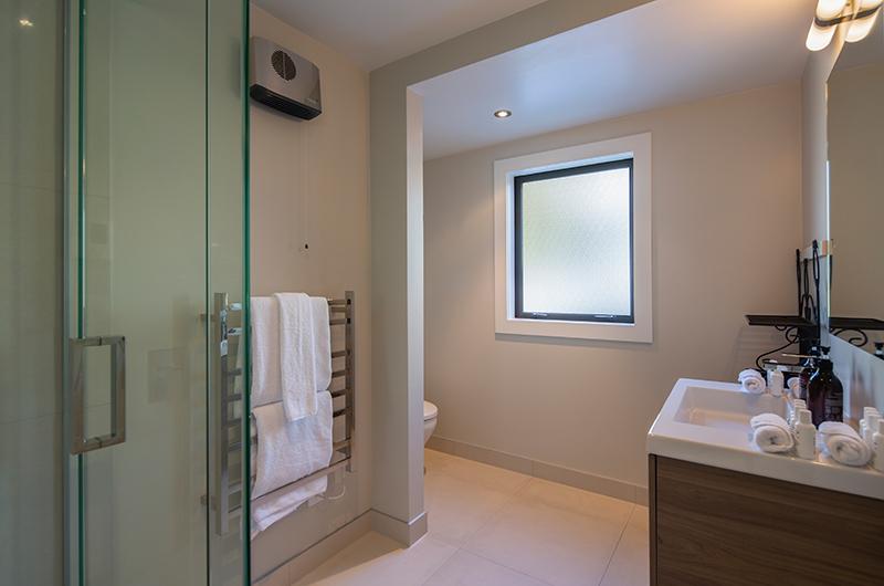 Kohanga Luxury Lakeside Villa Bathroom with Vanity | Queenstown, Otago