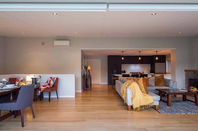 Kohanga Luxury Lakeside Villa Living Room | Queenstown, Otago