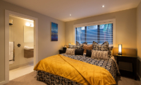 Kohanga Luxury Lakeside Villa Bedroom with Ensuite Bathroom | Queenstown, Otago