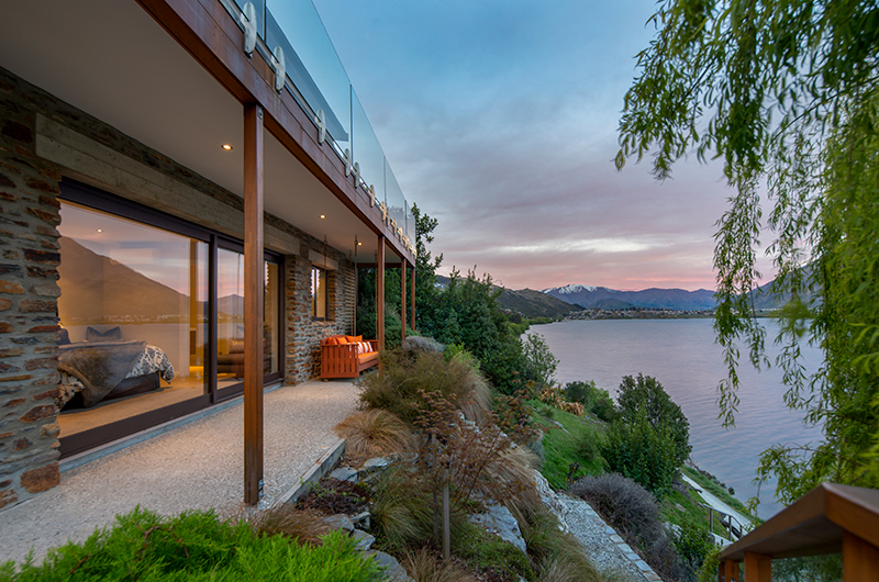 Kohanga Luxury Lakeside Villa Terrace | Queenstown, Otago