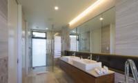 Sunrise Bay Guest Bathroom | Wanaka, Otago