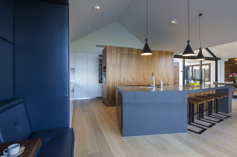 Sunrise Bay Spacious Kitchen | Wanaka, Otago