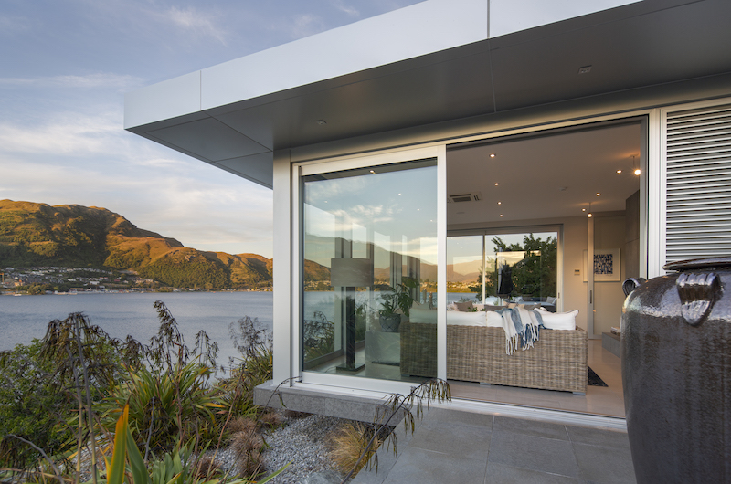 Supreme Lakefront Exterior | Queenstown, Otago