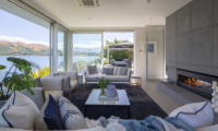 Supreme Lakefront Open Plan Living Room | Queenstown, Otago