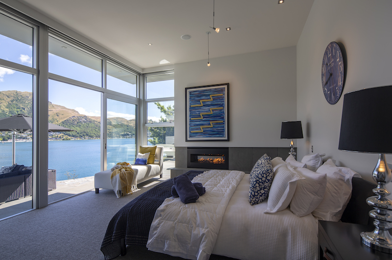 Supreme Lakefront Master Bedroom | Queenstown, Otago