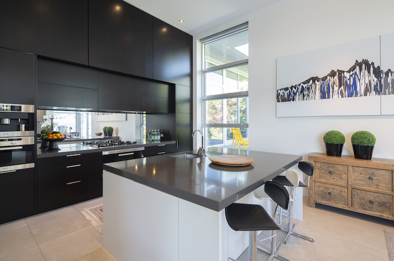 Supreme Lakefront Fully Equipped Kitchen | Queenstown, Otago