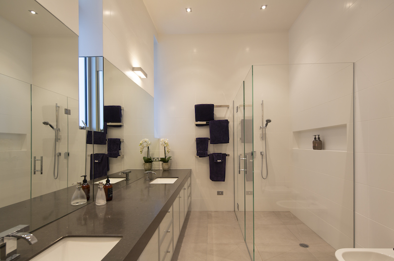 Supreme Lakefront Bathroom | Queenstown, Otago