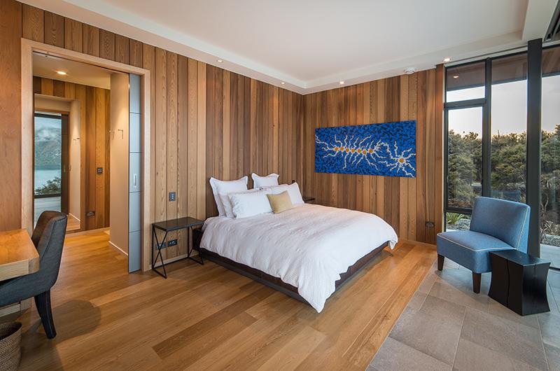 The Dacha Spacious Guest Bedroom | Wanaka, Otago