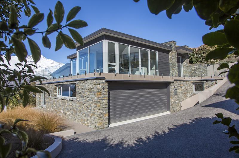 The Views Garage   Queenstown, Otago