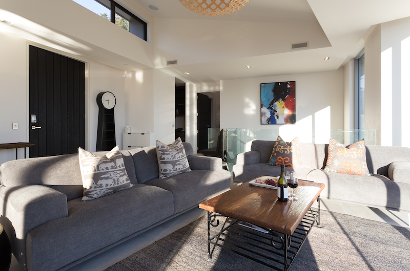 Views on Edinburgh Living Room | Queenstown, Otago