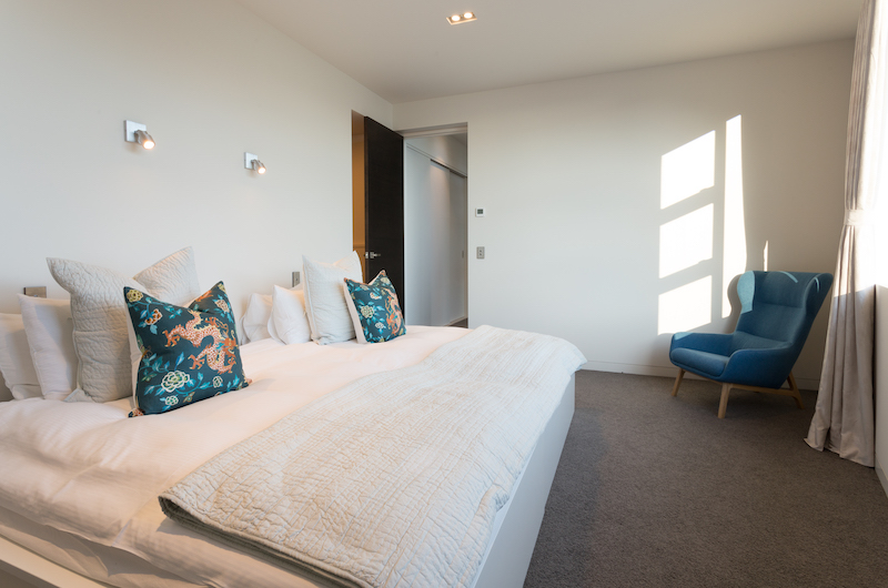 Views on Edinburgh Master Bedroom | Queenstown, Otago