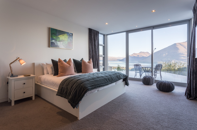 Views on Edinburgh Bedroom with Terrace | Queenstown, Otago