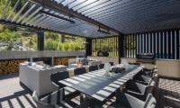Villa Cascata Dining Table with Barbecue | Queenstown, Otago