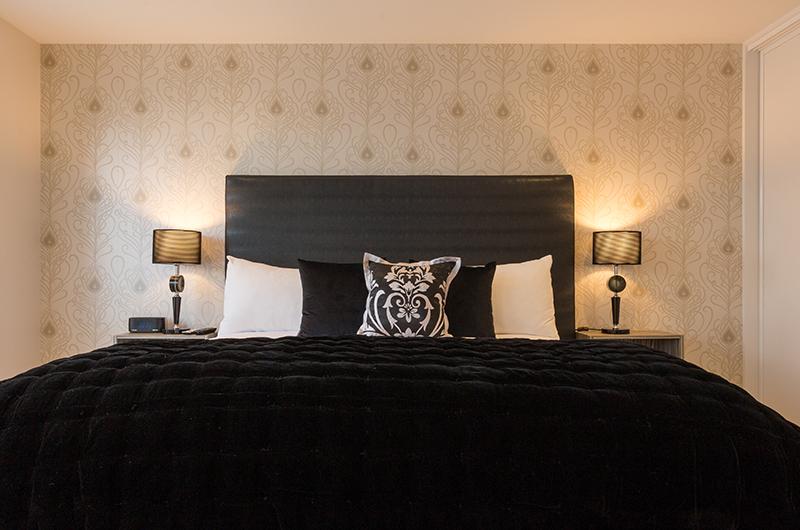 Villa Fifteen Spacious Bedroom with Lamps | Queenstown, Otago