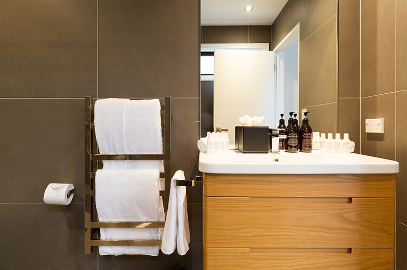 Villa Fifteen Ensuite Bathroom | Queenstown, Otago