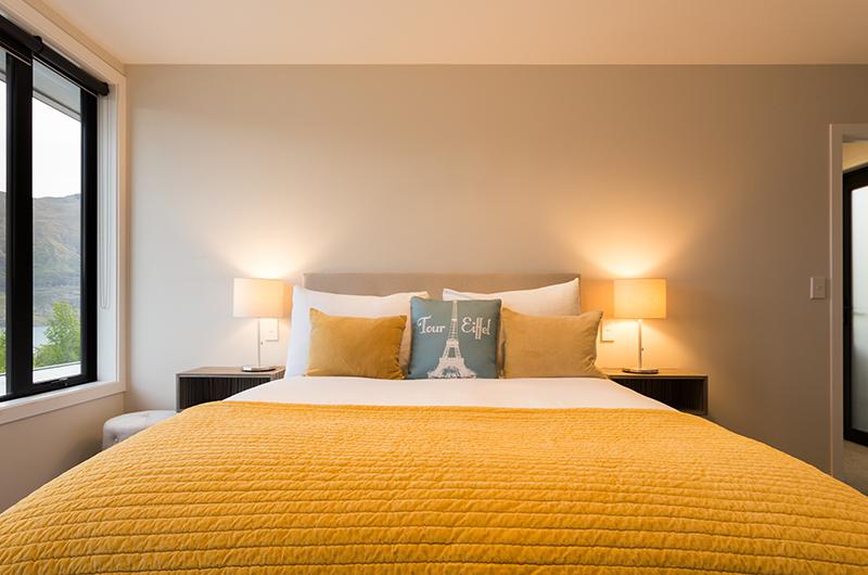 Villa Fifteen Bedroom with Lamps | Queenstown, Otago