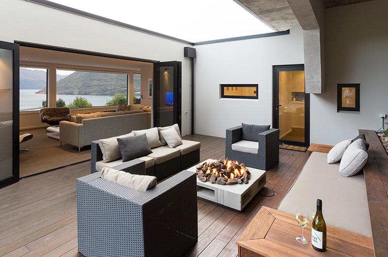 Villa Fifteen Living Room with Fire Place | Queenstown, Otago
