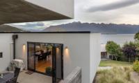 Villa Fifteen Outdoor Dining Table | Queenstown, Otago