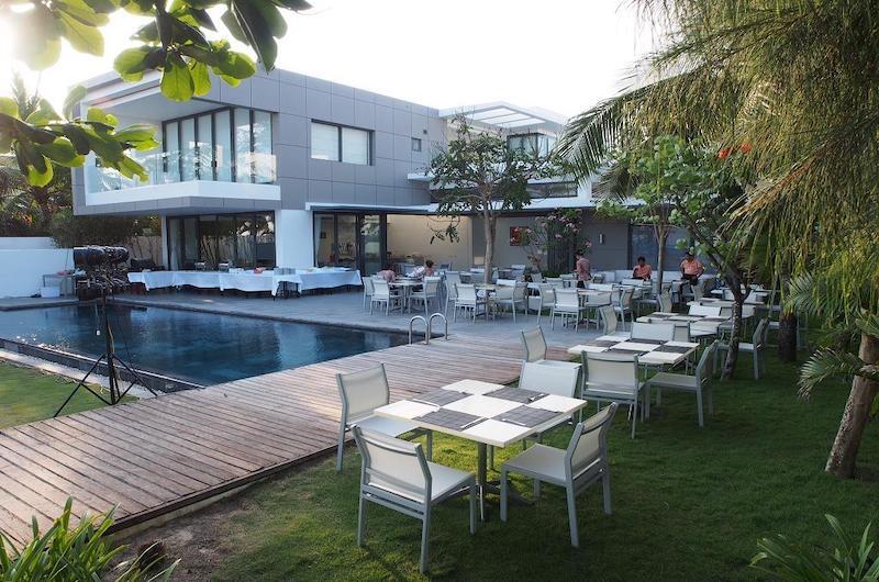 Sanctuary Villas Outdoor Dining Table | Ho Tram, Vietnam