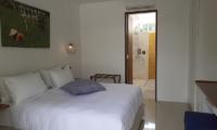 Villa Capil Bedroom with Enclosed Bathroom | Batubelig, Bali