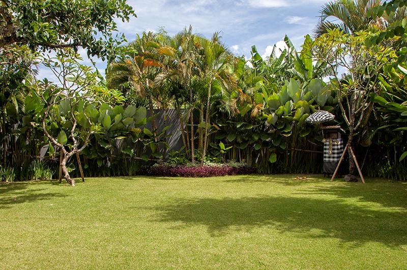 Villa Capil Spacious Garden | Batubelig, Bali