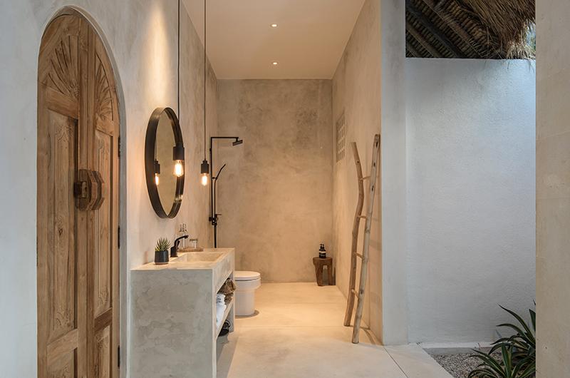 Villa Massilia Dua Bathroom | Seminyak, Bali