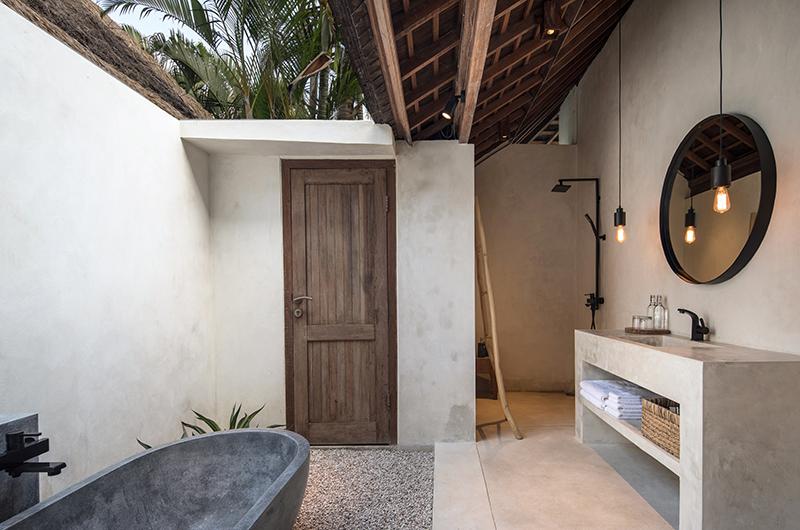 Villa Massilia Satu Open Plan Bathtub | Seminyak, Bali