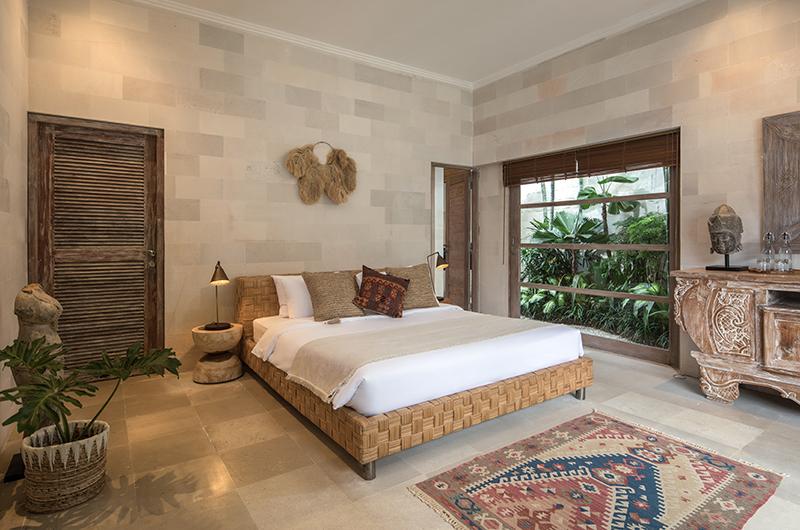 Villa Massilia Tiga Bedroom with Lamps | Seminyak, Bali
