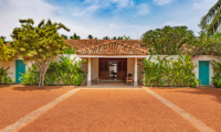 Rock Villa Entrance | Bentota, Sri Lanka