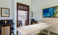 Rock Villa Massage Bed | Bentota, Sri Lanka