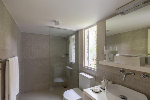 Rock Villa Bathroom | Bentota, Sri Lanka