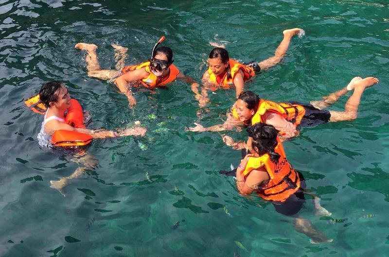 Phi Phi Islands - Snorkelling   Thailand