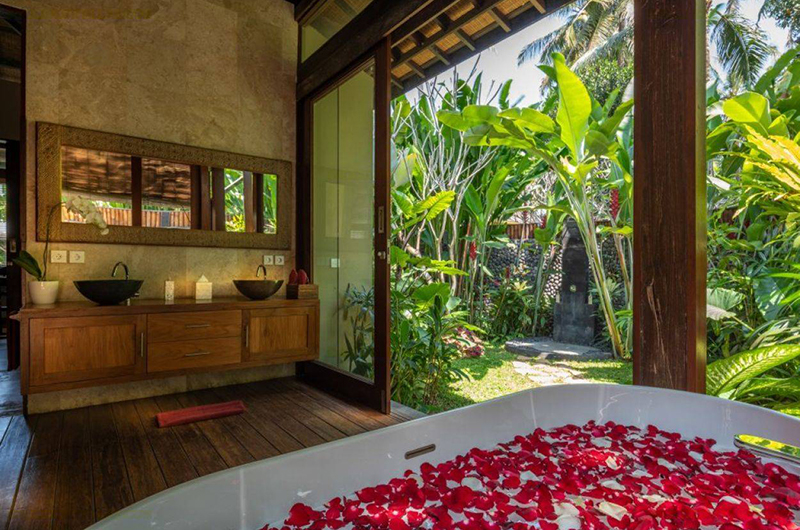 Villa Crystal Castle Master Bathroom | Ubud, Bali