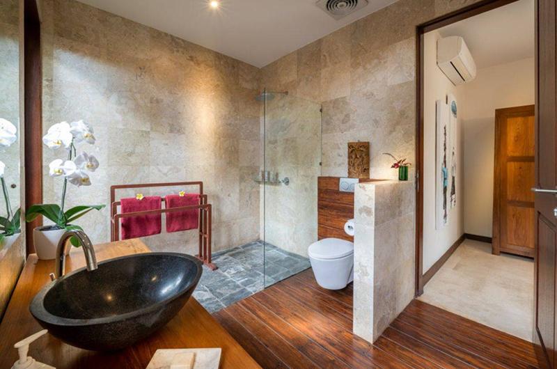Villa Crystal Castle Cornelian Bathroom | Ubud, Bali