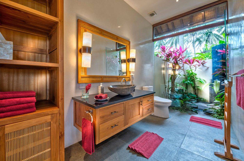 Villa Crystal Castle Lapis Bathroom | Ubud, Bali