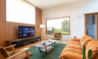 Birchwood Smart TV | Hirafu, Niseko
