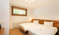 Birchwood Spacious Twin Bedroom | Hirafu, Niseko