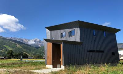 Bikei Chalet Main Entrance | Hakuba, Nagano