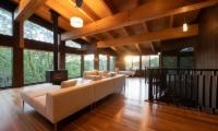 Kiraku Living Room with Fireplace   Annupuri, Niseko