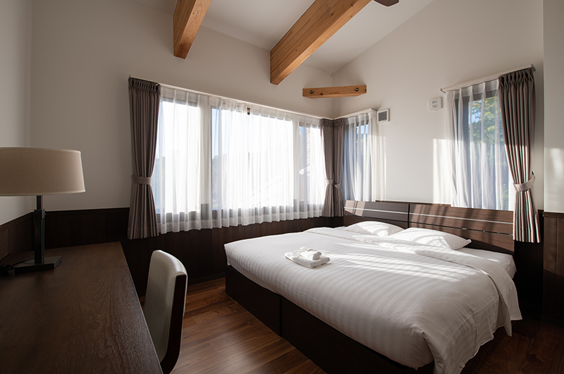 Kiraku Bedroom with Study Table   Annupuri, Niseko
