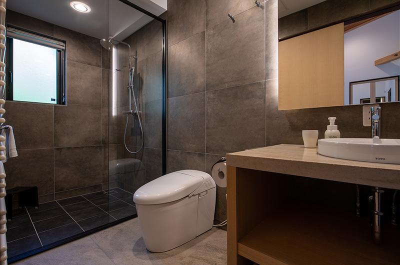 Kiraku Bathroom with Vanity   Annupuri, Niseko