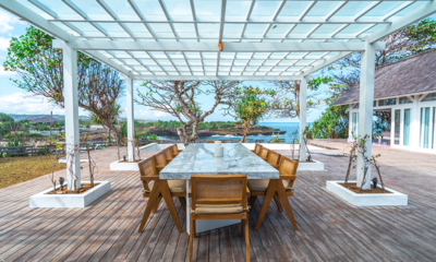 Mandala The Bay Dining Table with Sea View | Nusa Lembongan, Bali